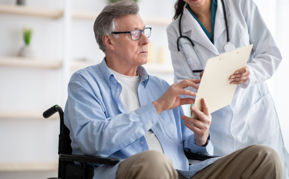 Osteoporose-Behandlung: Kyphoplastie bei Wirbelkörperbruch